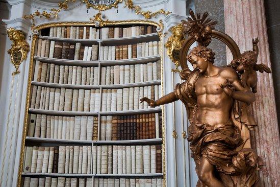 Austria_-_Admont_Abbey_Library_-_1203.jpg