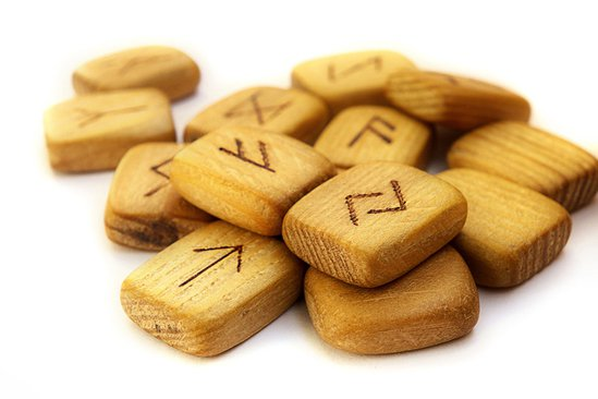 5480Scandinavian_runes.jpg
