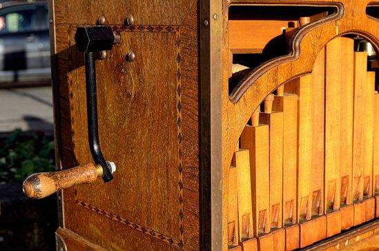 barrel-organ.jpg