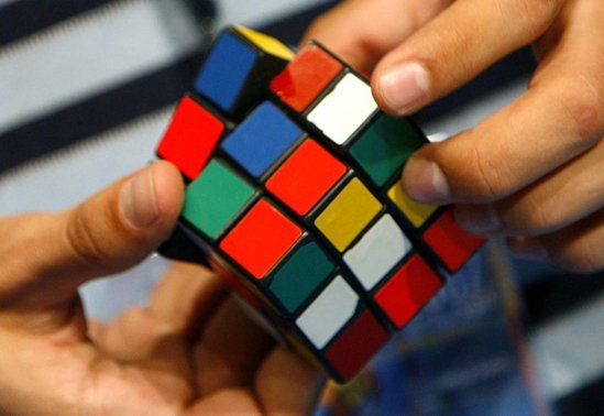 playing_rubiks_cube-13768.jpg